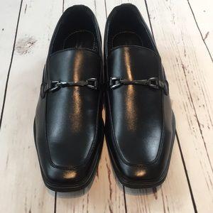 bb75b43a5c4 Van Heusen Shoes - Van Heusen Albert bar bit loafer (12M)